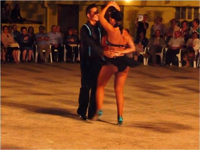 20121001221218-belen-y-jaime-bailando-bachata.jpg