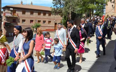 20150921201227-autoridades-en-la-procesion..jpg